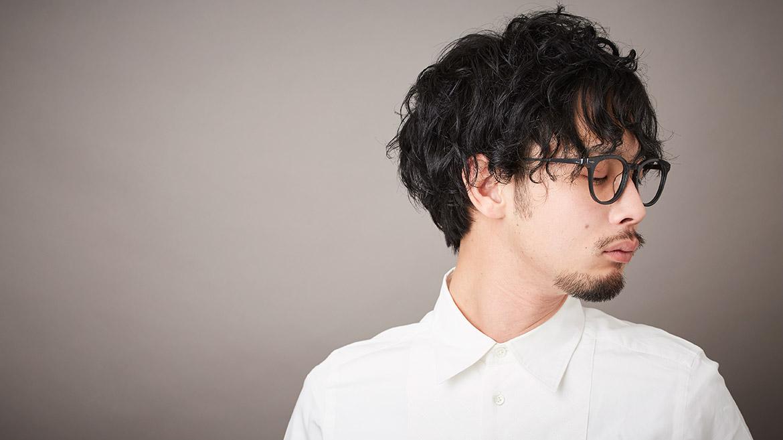 【男性編】髪をあげる↑さげる↓で印象が変わる!めがねヘアスタイル