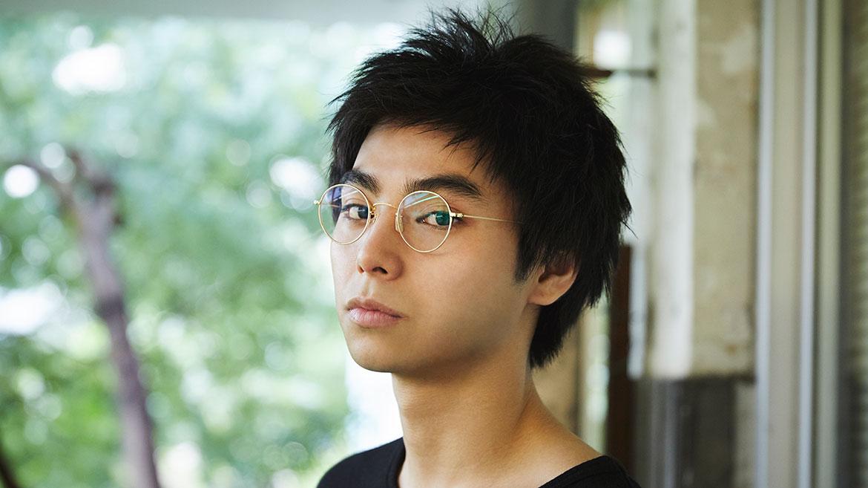 【わたしはめがねのここが好き!】第2回 俳優 村上虹郎さんの場合